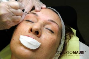 Microblading e trucco semipermanente, differenze tecniche